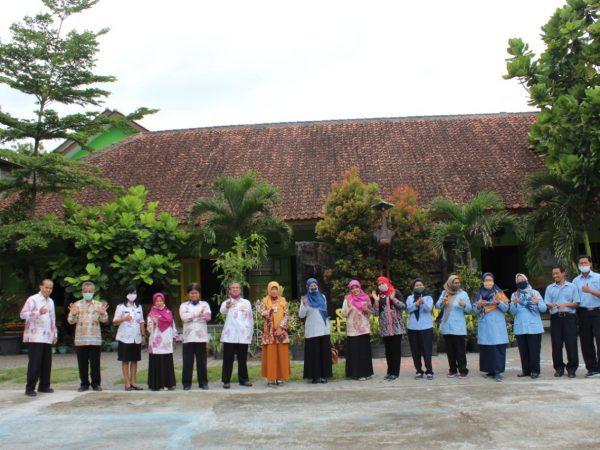 Visitasi dan Verifikasi Lapangan Adiwiyata di SMP N 2 Pakem